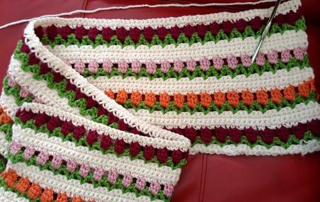 crochet-tulip-stitch-lap-throw